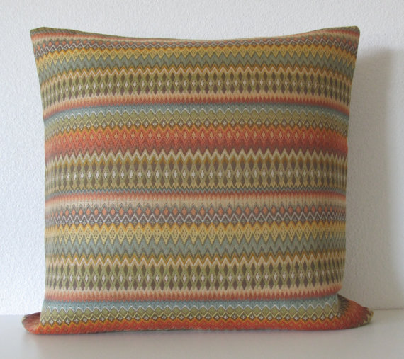 Zig zag throw pillow by chicdecorpillows