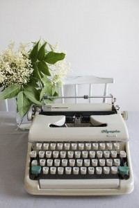 Olympia typewriter via Cottoni